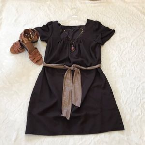 Pretty brown flowing dress with tie sash !
